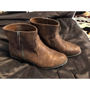 Shoes - Brown Ankle Booties!